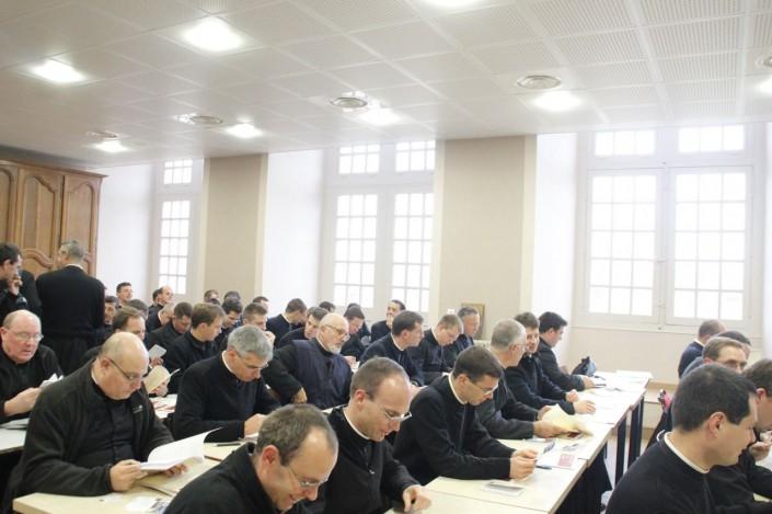 travail prêtres études
