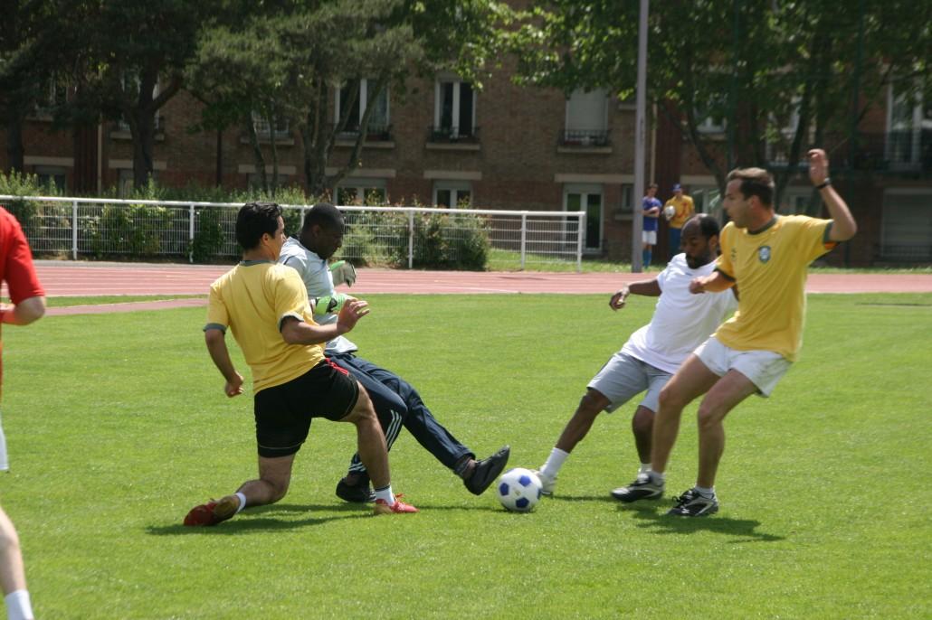 Seminaristes jouent au foot