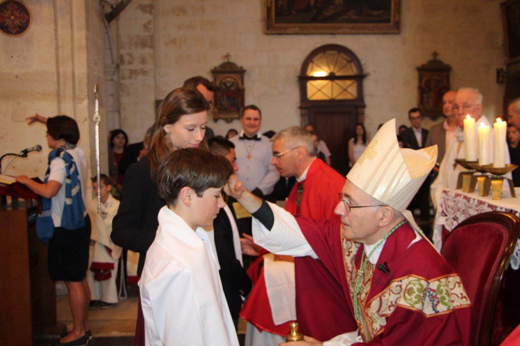 A l'exemple de la vie sacramentelle, il est bon de marquer l'adolescence par des étapes fortes
